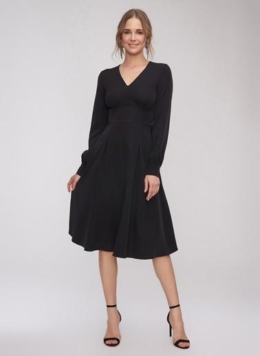 People By Fabrika Bel Detaylı Elbise Siyah